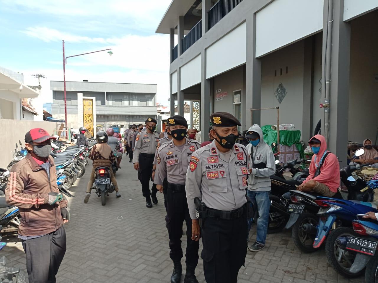 Polisi Masuk Pasar hingga Pertokoan