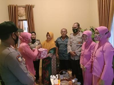 Jelang HUT Bhayangkara, Polsek Buer Anjangsana ke Purnawirawan dan Warakawuri