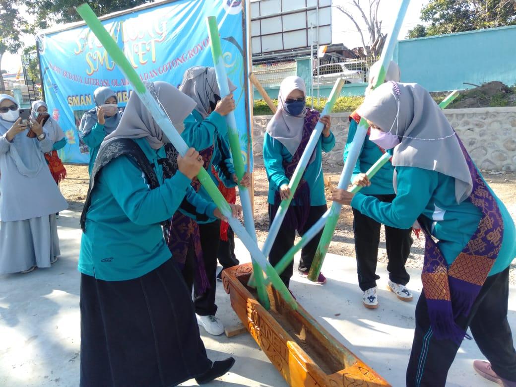 "SMAN 4 Sumbawa Launching ""Sabalong SMANET"" Dirangkaikan Milad ke-18"